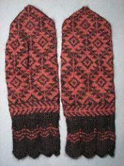 Ravelry: yarnjungle's Estonian maple-leaf mittens