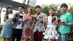 Aaron Yan and Tia Li celebrate good drama ratings with fried ...