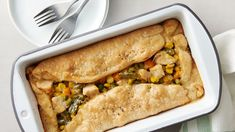Loaf Pan Creamy Chicken Pot Pie - Love this idea for a smaller chicken pot pie! Ues one pie crust. Pie Recipes, Chicken Recipes, Dinner Recipes, Cooking Recipes, Dinner Ideas, Easy Cooking, Cooking Ideas, Delicious Recipes, Easy Recipes