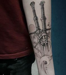 Сохранённые фотографии – 1 375 фотографий Badass Tattoos, Mom Tattoos, Body Art Tattoos, Tattoo Drawings, Tattoos For Guys, Viking Tattoo Sleeve, Viking Tattoos, Sleeve Tattoos, Tattoo Finder