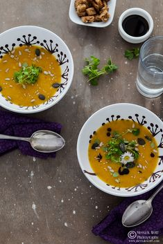 What's For Lunch Honey?: Wild Herbed Pumpkin and Persimmon Soup Chili Recipes, Crockpot Recipes, Soup Recipes, Cooking Recipes, Pumpkin Recipes, Fall Recipes, Whats For Lunch, Best Pumpkin, Food Photography