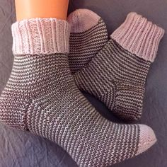 A pair of turn-up socks in size yeah, winter can come. Knitted from … – socken stricken Knitting Socks, Body Art, Knitting Patterns, Winter, Projects To Try, Wool, Fashion, Tejidos, Tricot