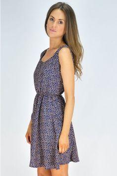 #sleevelessdress#Ladiesfashion#pinit#summerfashion#staycool#navysleevelessdress#tunic#kneehighboots#www.fashionbelow10.com