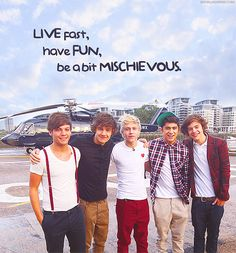 These boys are just too much for my fangirling heart :3 Louis Tomlinson, Liam Payne, Niall Horan, Zayn Malik and Harry Styles <3 One Direction