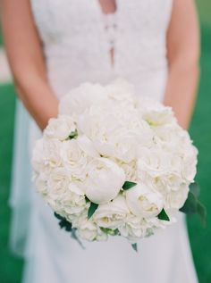 Photography : Gianny Campos Photography | Floral Design : Amore Events by Cody Read More on SMP: http://www.stylemepretty.com/2017/01/03/proof-that-you-cant-go-wrong-with-a-black-white-wedding/