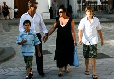 Keely Shaye Smith and Paris Beckett Brosnan Photo - Pierce Brosnan On Vacation in Italy