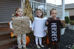 These sibling Halloween costume ideas are sure to spark some creativity! These sibling Halloween costume ideas are sure to spark some creativity! Halloween Costumes Triplets, Sibling Costume, Group Costumes, Halloween Costumes For Girls, Costumes Kids, Halloween Couples, Costumes For 3 People, Zombie Costumes, Costumes For Siblings