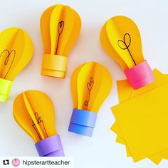 Paper Light Bulbs - folding & gluing for HT 3d Bulletin Boards, History Bulletin Boards, Light Bulb Art, Light Bulb Crafts, Classroom Design, Classroom Themes, Spotlight Bulletin Board, Paper Light, School Decorations