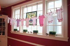 onesie clothesline! #babyshower #decorations
