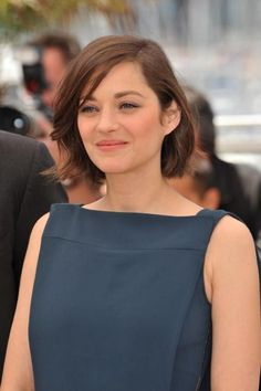 How to Get Marion Cotillard's Easy Bob