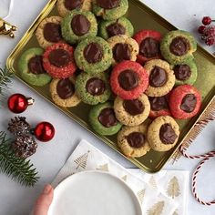 Starting Christmas baking with these Christmas Thumbprint Cookies. cookie dough what is made quick and easy. Starting Christmas baking with these Christmas Thumbprint Cookies. cookie dough what is made quick and easy. Christmas Snacks, Christmas Cooking, Christmas Recipes, Christmas Christmas, Xmas, Dessert Simple, Easy Baking Recipes, Cookie Recipes, Köstliche Desserts