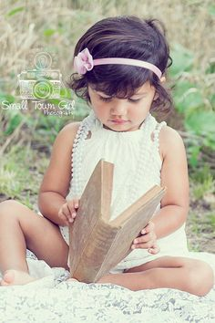 Kid - child photography - 2 year old photo shoot - vintage - outdoor session - Nikon d5300