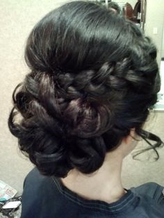 Pretty updo for prom...wish I had enough hair for this:/