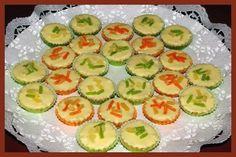 HAJANY - Recepty - Cukroví - 23 receptů s obrázky Christmas Cookies, Zucchini, Sushi, Cheesecake, Vegetables, Ethnic Recipes, Food, Kitchen Ideas, Pina Colada