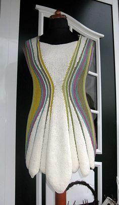 Ravelry: Project Gallery for Sanduhr Tunic pattern by Heidrun Liegmann Knitting Daily, Knitting Stiches, Knitting Needles, Yarn Organization, Ravelry, Tunic Pattern, Sock Yarn, Knit Or Crochet, Textiles