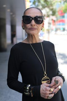 Advanced style blog - love her jewelry