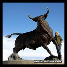 If you need bull statues do not hesitate to contact Vincentaa at info@vincentaabronze.com  Welcome to visit Vincentaa latest project - Gallery Quality Bronze Statues      http://www.vincentaabronze.com/gallery/gallery-quality-bronze-statues/