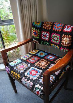 Form Crochet, Crochet Blocks, Granny Square Crochet Pattern, Crochet Home, Crochet Granny, Crochet Crafts, Crochet Baby, Funky Furniture, Colorful Furniture