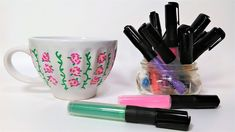 Acrylic Paint Pen Test on Ceramics {Will it work? Ceramic Painting, Diy Painting, The Frugal Crafter, Diy Mug Designs, Acrylic Paint Pens, Hand Painted Mugs, Diy Mugs, Marker Art, Pen Sets
