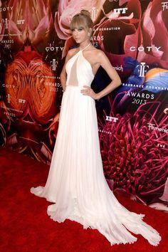 Taylor Swift en los Fragrance Foundation Awards 2013 en Nueva York (12 de junio). / Taylor Swift at the 2013 Fragrance Foundation Awards in NYC (June 12).
