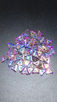 Diy Resin Crafts, Diy Arts And Crafts, Fun Crafts, Cool Stuff, Do It Yourself Jewelry, Art And Craft Videos, Beading Supplies, Resin Art, Crystals And Gemstones