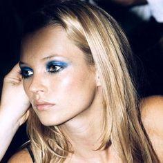 37 New ideas photography model face kate moss Eye Makeup Tips, Smokey Eye Makeup, Makeup Inspo, Beauty Makeup, Hair Makeup, Hair Beauty, Makeup Style, Makeup Ideas, Blue Smokey Eye