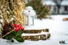 A természetes alapanyagok egy rusztikus esküvőnél, télen is vonzzák a tekintetet. Snow Globes, Winter, Wedding, Home Decor, Winter Time, Valentines Day Weddings, Decoration Home, Room Decor, Weddings