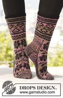 """Strikkede DROPS sokker i """"Fabel"""" med mønster. Str 35 - 43. ~ DROPS Design"""