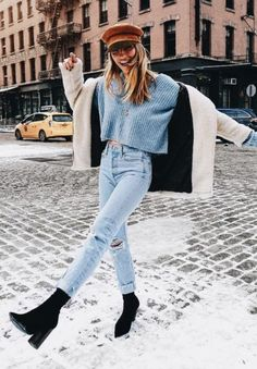 This post contains the best comfy winter outfits. These outfits are fabulous, stylish and will keep you warm. Besides, they are affordable. Fashion Mode, Look Fashion, Womens Fashion, Fashion Trends, Fall Fashion, Trendy Fashion, Ladies Fashion, Feminine Fashion, Fashion 2016