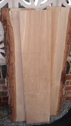 This was the Oak before it was waxed/oiled. I used a wire brush on the edges of the bark to remove the white mould