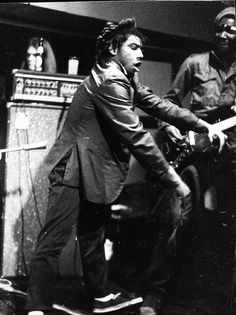 Early pic of HR from the Bad Brains.