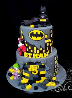 Batman Lego - cake by GoshCakes