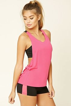 Look and feel your best in Forever 21 activewear and workout clothes for women! Get fit in our sports bras, leggings, shorts, crop tops & more. Cute Workout Outfits, Workout Attire, Sporty Outfits, Workout Wear, Fashion Outfits, Estilo Fitness, Bikini, Dance Outfits, Courses