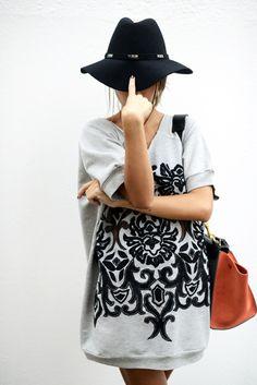 Recurre a los detalles para que tu look tenga un plus. ¿Qué opinas de estos toques barrocos? http://www.linio.com.mx/moda/?utm_source=pinterest&utm_medium=socialmedia&utm_campaign=MEX_pinterest___fashion_barroco_20140422_21&wt_sm=mx.socialmedia.pinterest.MEX_timeline_____fashion_20140422barroco21.-.fashion