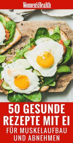 Eier sind echte Allrounder im Alltag: Das erstklassige Eiweiß aus Rührei, Spiegelei oder Omelette macht nicht nur lange satt, sondern ist auch das ideale Futter für Ihre Muskeln. Wir zeigen die besten Rezepte mit Ei für Muskelaufbau beim Fitness und zum Abnehmen
