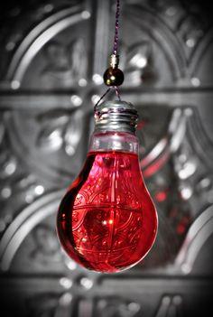 Light bulb idea found on Pinterest.