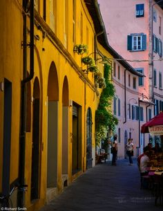 Warm colours in Lucca, Tuscany