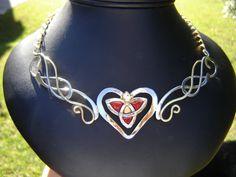 Wyniki Szukania w Grafice Google dla http://www.medievalbridalfashions.com/images/necklaces/Celtic-Heart/celtic-heart-necklace.JPG