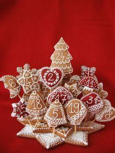 Home - Kifőztük Christmas Gingerbread House, Gingerbread Cookies, Christmas Wreaths, Xmas, Minion, Advent Calendar, Playing Cards, Holiday Decor, Diet