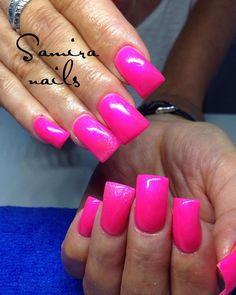 Ducknails wish set #squarenails #ducknails #nails2inspire #nailswag #nailtech #neon #nails #neonnails #pink #nailporn #nailstagram #dopenails #dope #extremenails #manicure #instanails #nailpolish #nailart #fannails #flarenails #pinknails #crazynails