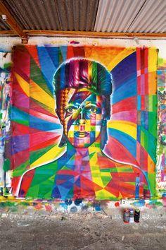 Ilustração de David Bowie, feita pelo muralista Eduardo Kobra para a Serafina