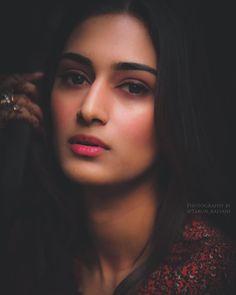 Dpz for girls Teen Celebrities, Bollywood Celebrities, Celebs, Bollywood Actress, Erica Fernandes Hot, Indian Tv Actress, Beauty Makeup Tips, Beauty Tricks, Actresses