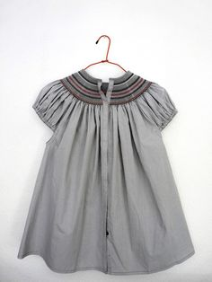 Juliet Blouse in Chic Gingham Grey-White - Anna Fabo Fashion Kids, Baby Girl Fashion, Little Girl Outfits, Cute Outfits For Kids, Cute Dresses, Girls Dresses, Vintage Baby Dresses, Moda Kids, Kid Styles