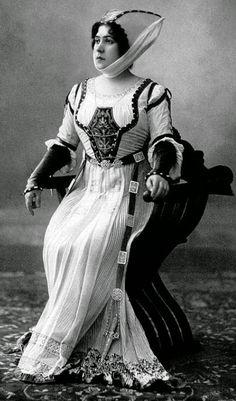 FORGOTTEN OPERA SINGERS : Adelina Agostinelli (Soprano) (Bérgamo, Reino de Italia 1882 - Buenos Aires, Argentina 1954)
