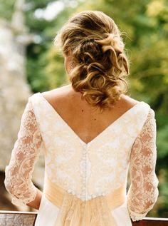 Espalda con detalles del vestido de novia.