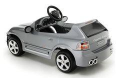 Porche Cayenne per bambini: le caratteristiche dell'automobile giocattolo | BimboChic