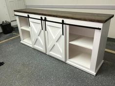 Grandy Sliding Door Console