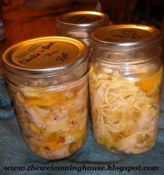 Pressure Canning Chicken // The Welcoming House: Home Canning Canned Meat, Canned Food Storage, Canned Chicken, Canned Foods, Turkey Chicken, Fried Chicken, Canning Tips, Home Canning, Canning Recipes