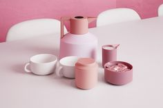 Geo is a retro-inspired vacuum flask designed by Nicholai Wiig Hansen. Geo comes in 6 colors (black, white, grey, turquoise, purple and red). New Nordic, Vacuum Flask, Higher Design, Red Dots, Minimalist Design, Copenhagen, Geo, Vacuums, Table Settings