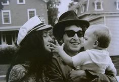 Joan Baez and Bob Dylan in Newport, Rhode Island,. - Joni 'n' Bobby Bob Dylan, Joan Baez, Newport, Bob Music, Travelling Wilburys, Blowin' In The Wind, Music Station, Folk Festival, Music Magazines